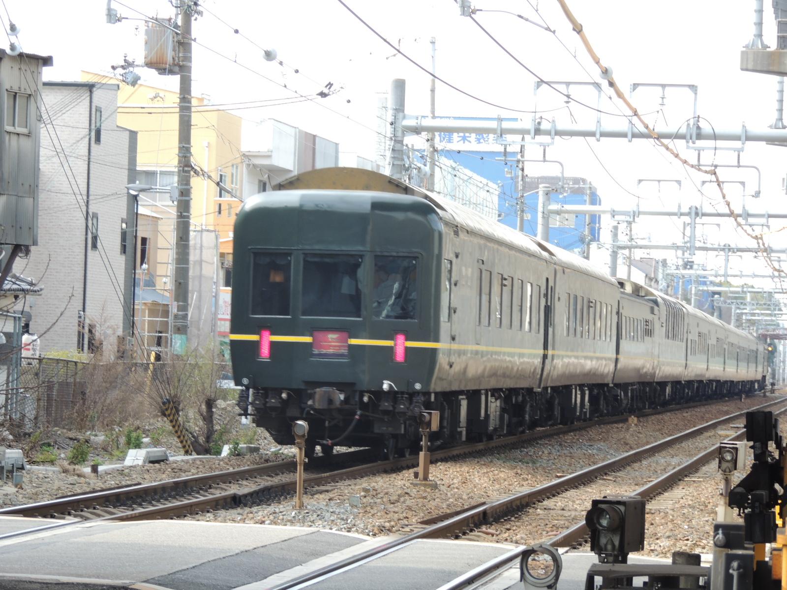 トワイライトと阪急アンダークロス 北方貨物線にて (1)