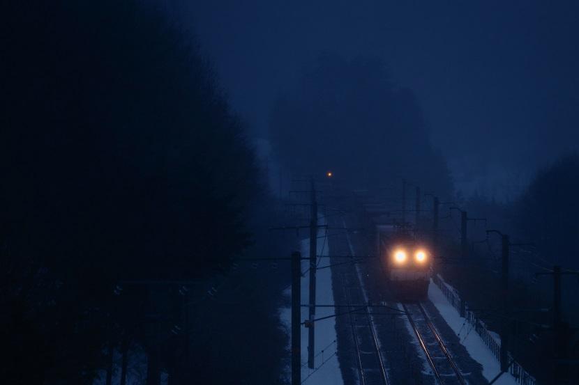 峠は今夜も吹雪だった