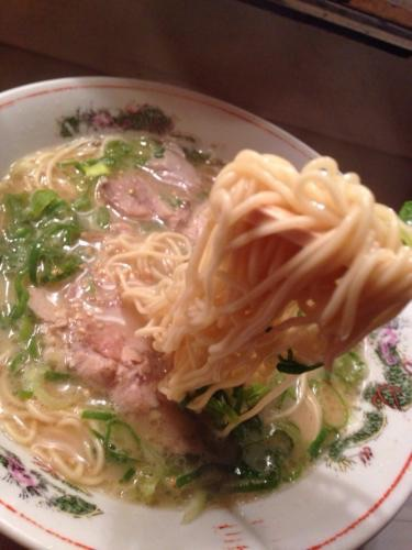 麺もスープも美味しく箸が止まりません笑。