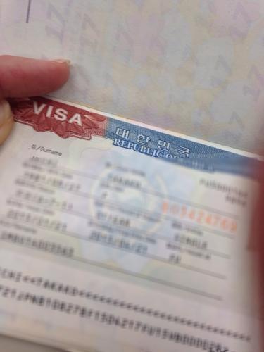 無事にビザを発給してもらうと❛留学へ行くこと❜がかなり実感します^^