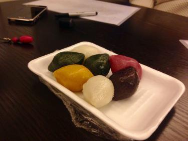 もうすお正月ですがあえて송편(韓国語;ソンピョン=松餅)を用意しました^^