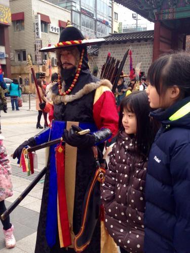 交代儀式を指揮する参下(チャマ)は男らしくかっこ良かったです^^