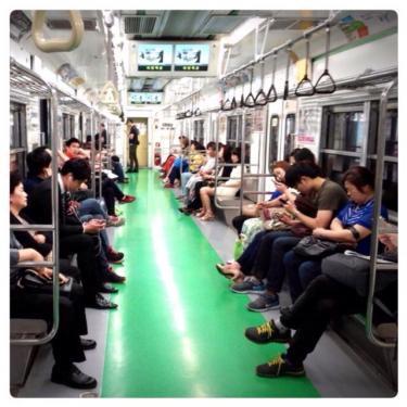 地下鉄2号線。