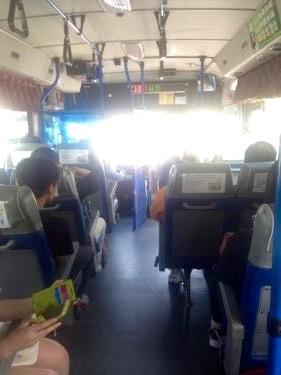 路線バスの椅子なんだけどなんか路線バスの椅子っぽくない(笑)