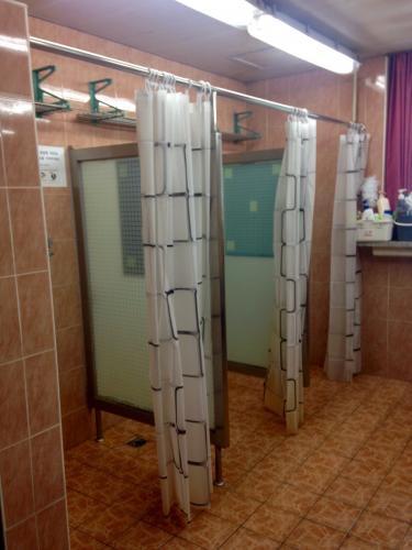 共同のシャワー室