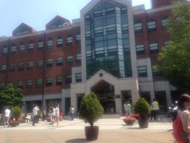 期末テスト中の延世大学。しばしの休憩時間^^