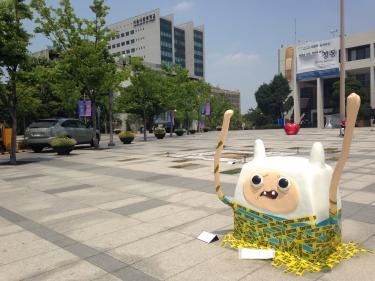 ソウル市立大学キャンパスに現れた作品たち。