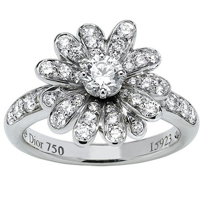 Dior-Milly-Sous-La-Neige-Ring-chs1.jpg