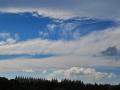 色んな雲と青空(右下は泉ヶ岳)