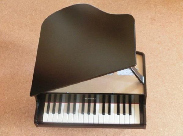 カワイ ミニピアノ1