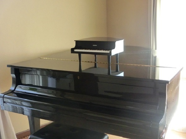 カワイ ミニピアノ4