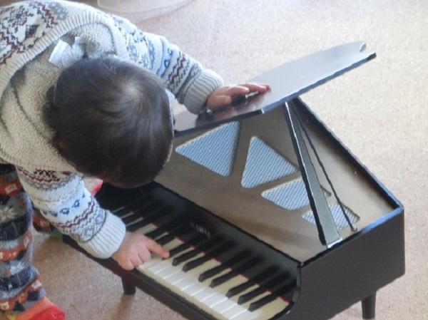 カワイ ミニピアノ5