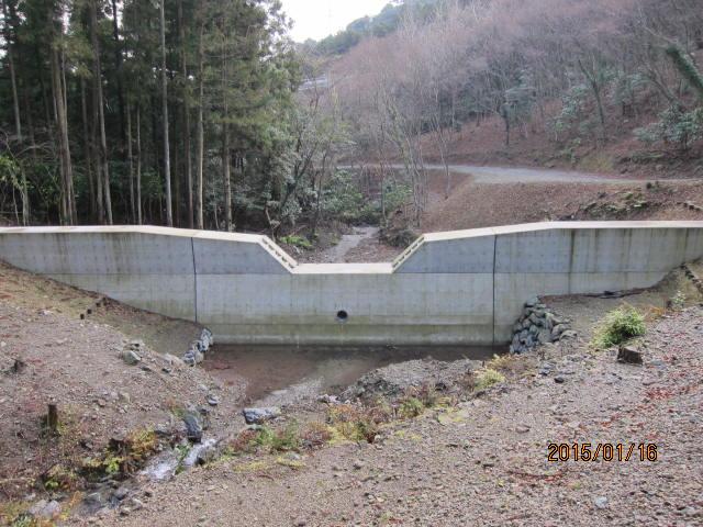 新砂防ダム1
