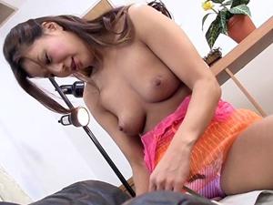 【藤沢未央】宅配業者を誘惑して痴女責めSEXで中出しさせる日焼け巨乳熟女