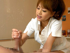 【吉沢明歩】官能エステティシャンの性感手コキマッサージで尿道大噴火の男潮吹き!