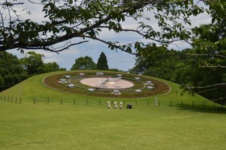 6西日本一の花時計