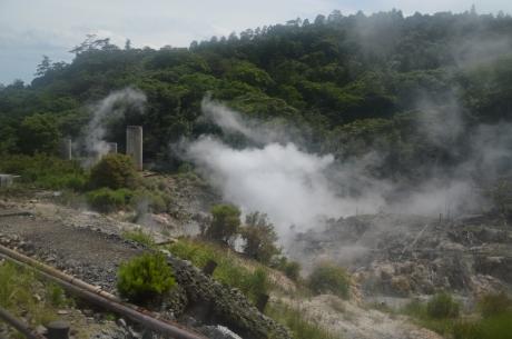 16霧島温泉郷の湯けむり