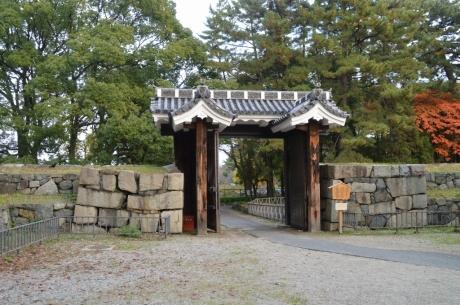 10旧二の丸東二の門
