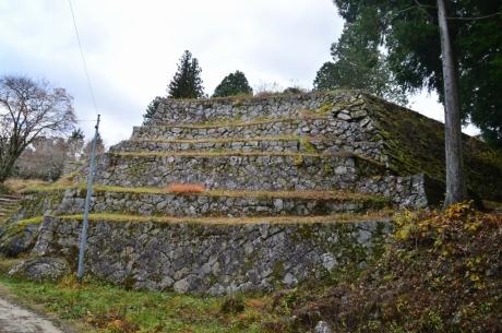 13本丸六段の石垣
