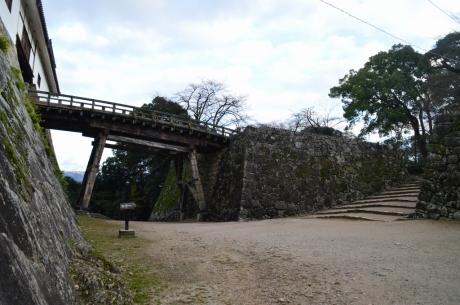 5本丸へと続く橋