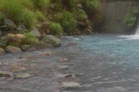 4ダムの滝壺