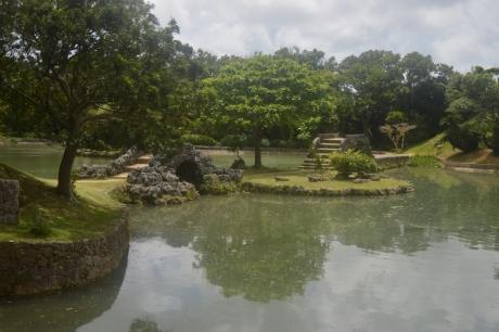 2園内の池