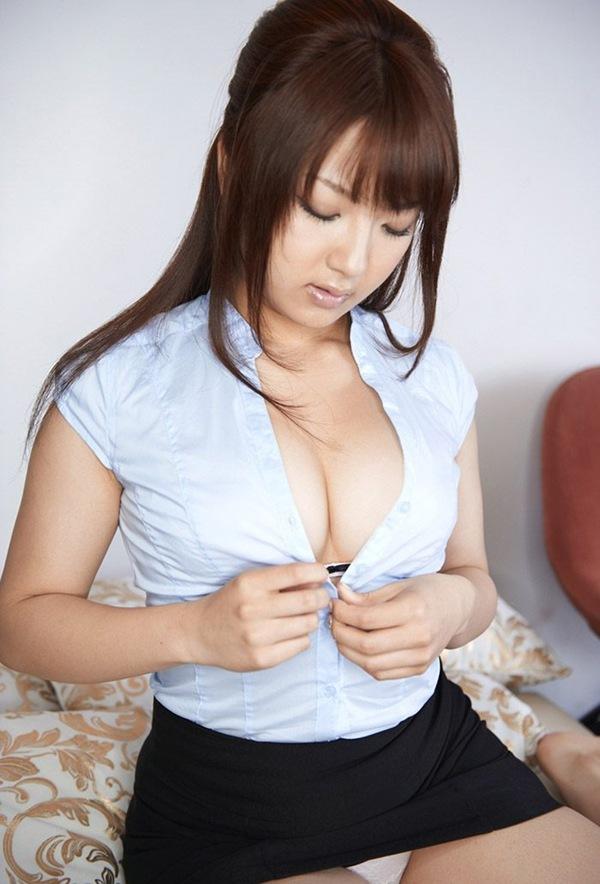 【神咲詩織】