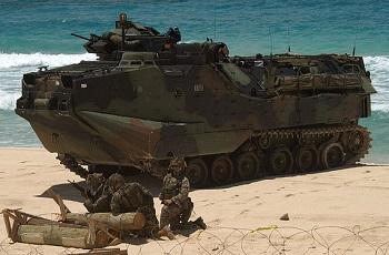 水陸両用車AAV7