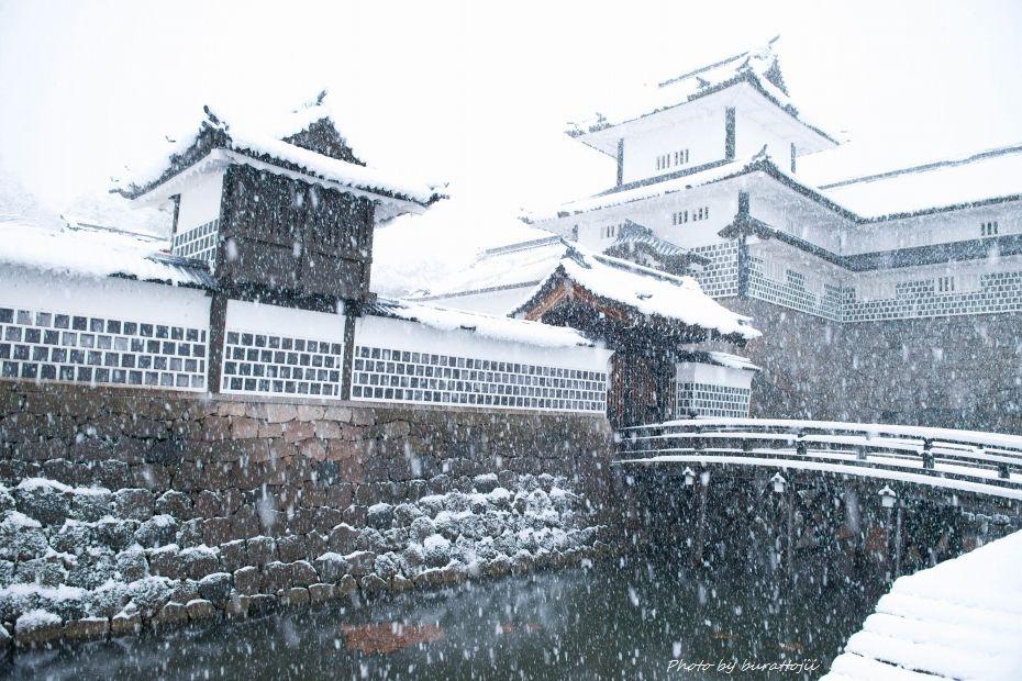 2014.12.06雪の金沢城公園4