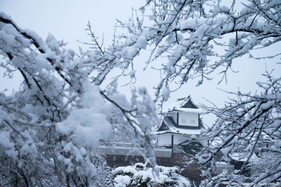 2014.12.06雪の金沢城公園2