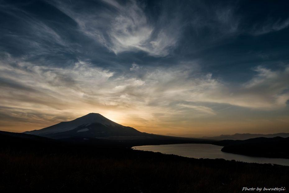 2015.02.28山中湖の昼から夜へ10.1713