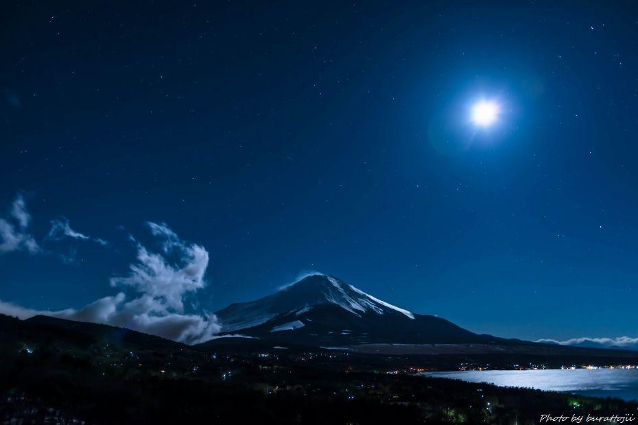 2015.03.02山中湖パノラマ台の夜景6.0130