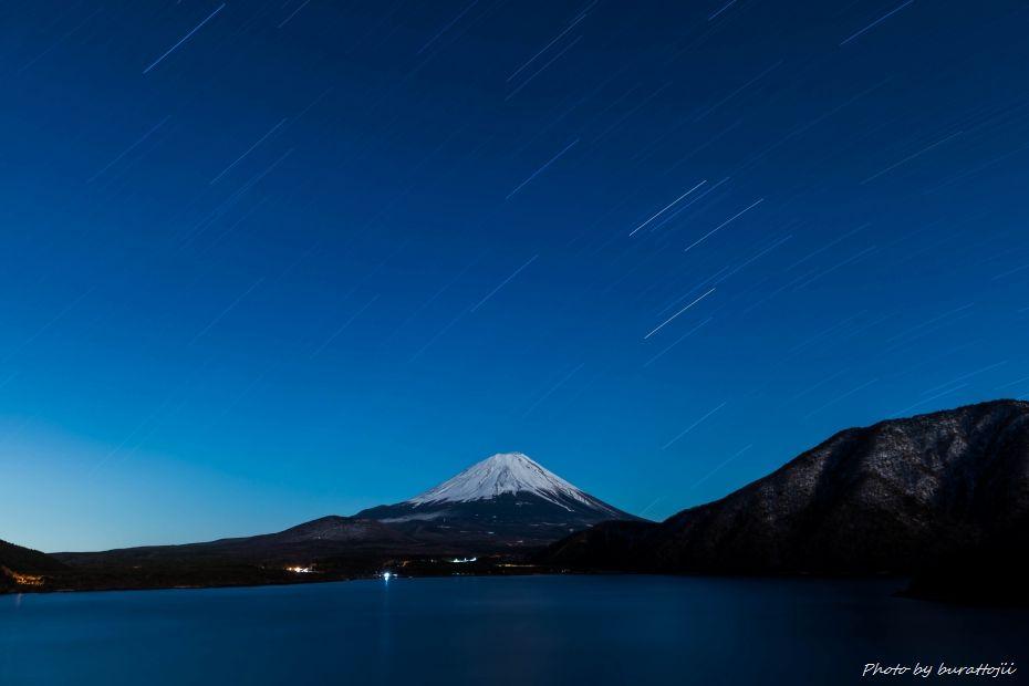 2015.03.02本栖湖の星景2