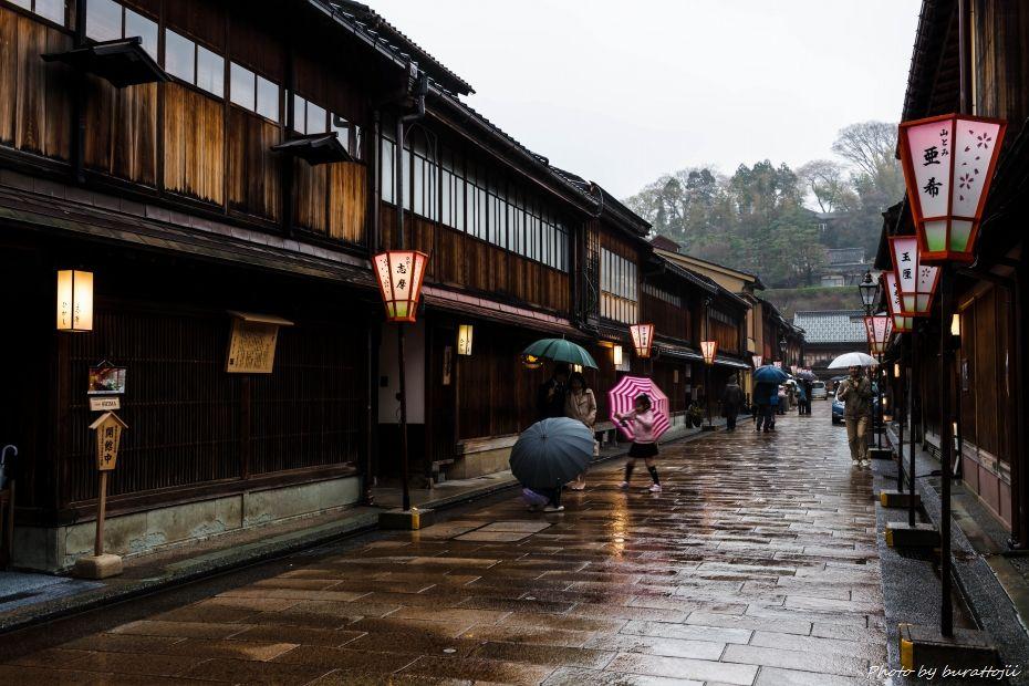 2015.04.05雨のひがし茶屋街1