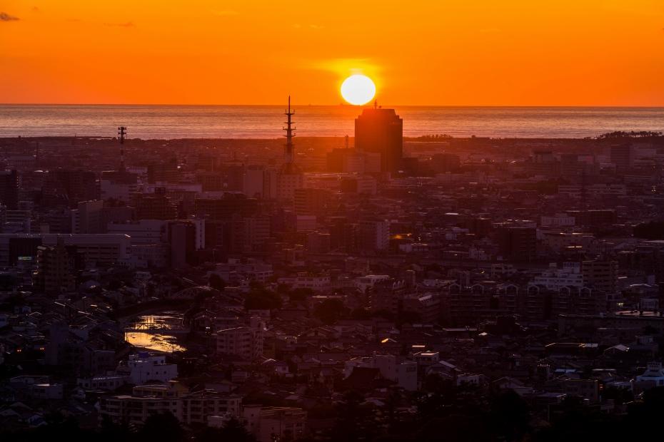 2015.06.04卯辰山から日本海夕陽2.1905