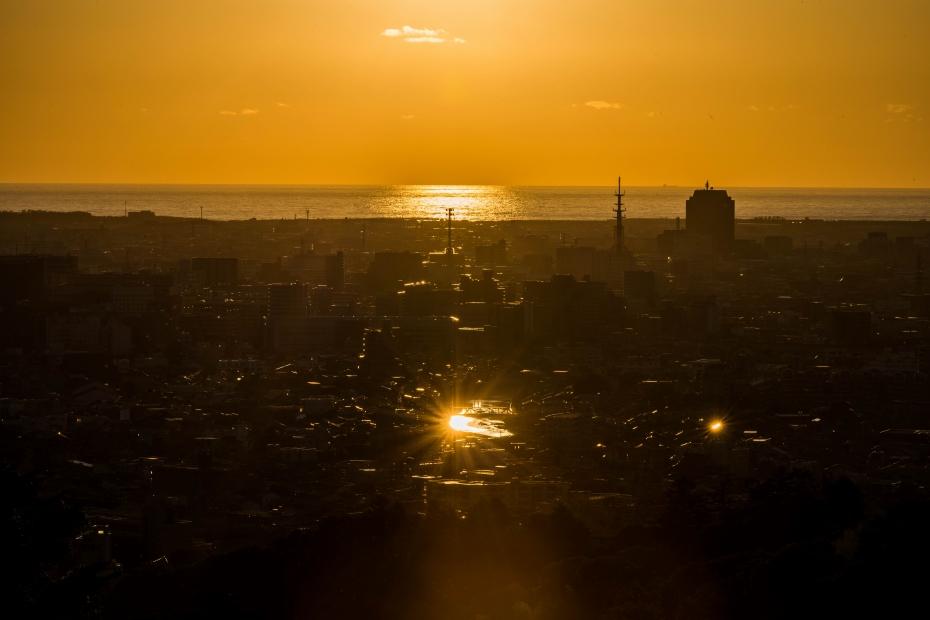 2015.06.04卯辰山から日本海夕陽1.1840