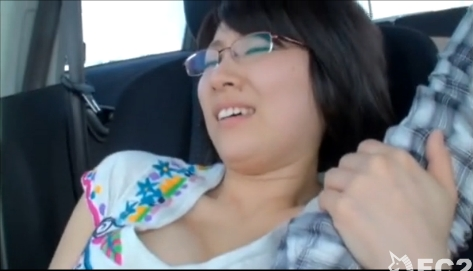 過去の苦い思い出でSEXが怖くなっちゃったメガネ美人な巨乳お姉さん:46分