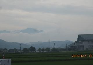 梅雨空・朝