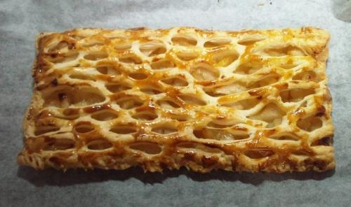 焼き上がったアップルパイ