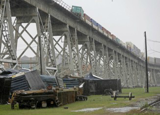 Strong-winds-knocked-over-some-train-cars-in-Jefferson-Parish-326x235.jpg