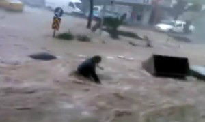 izmir-flooding-many-2015-300x179.jpg