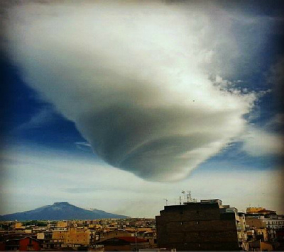 lenticular-clouds-etna-1.jpg