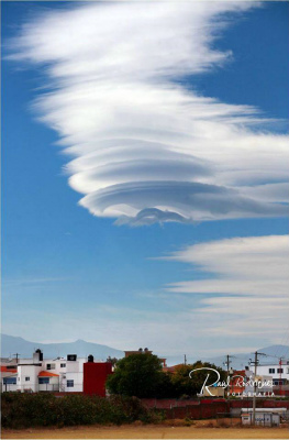lenticular-clouds-mexico-2015.jpg