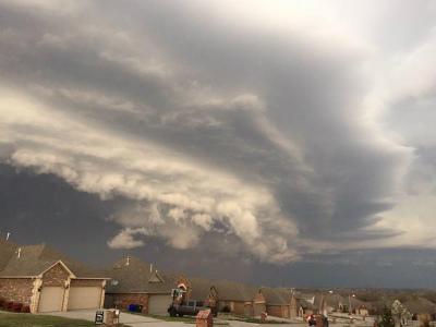 mammatus-clouds-tornado-moore-3.jpg