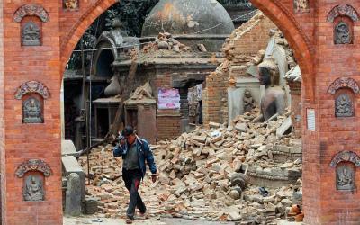 nepal-temple_3281319k.jpg