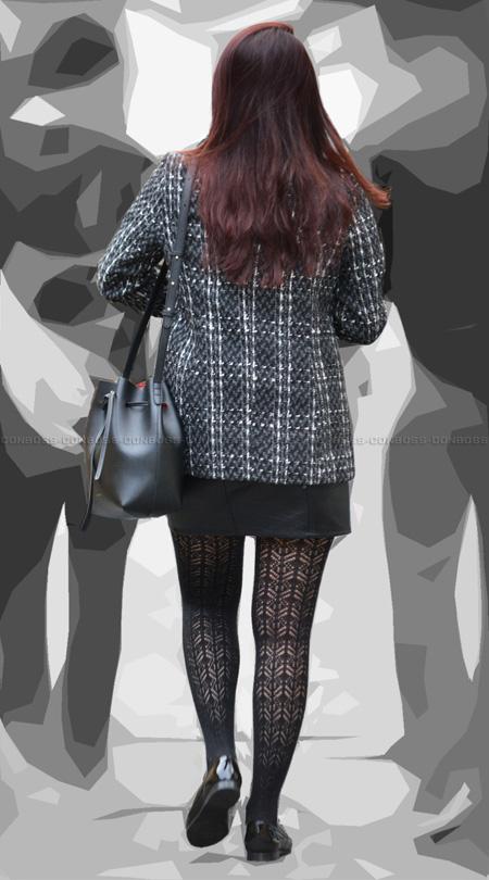 vol208-女性らしい魅力的な美脚を彩る柄タイツ
