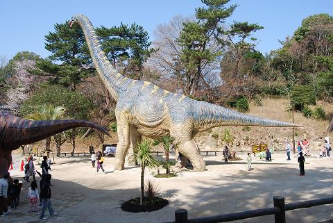 東公園の恐竜展