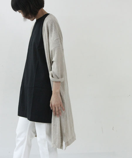 evameva (エヴァムエヴァ) Swiss cotton turn buck cuffs tunic