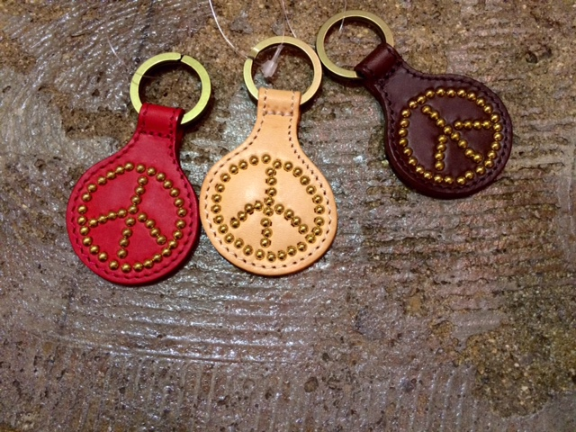 GJ PEACE KEY HOLDER