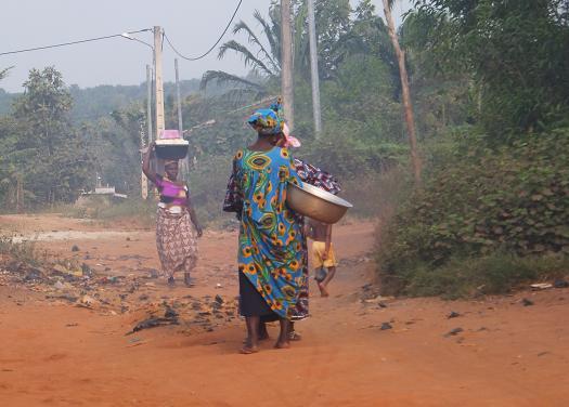 アフリカの女性の朝